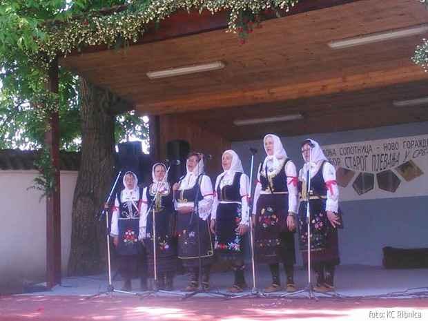 KC Ribnica zenska pevacka grupa