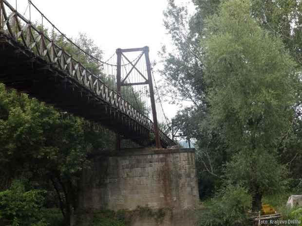 Viseći most u Sirči