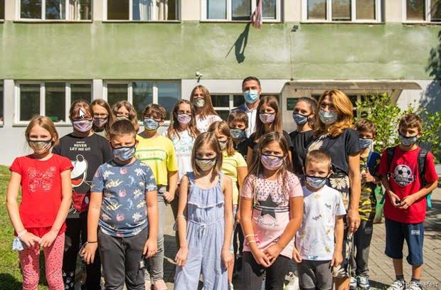 Lovefest 2020 maske deci 1
